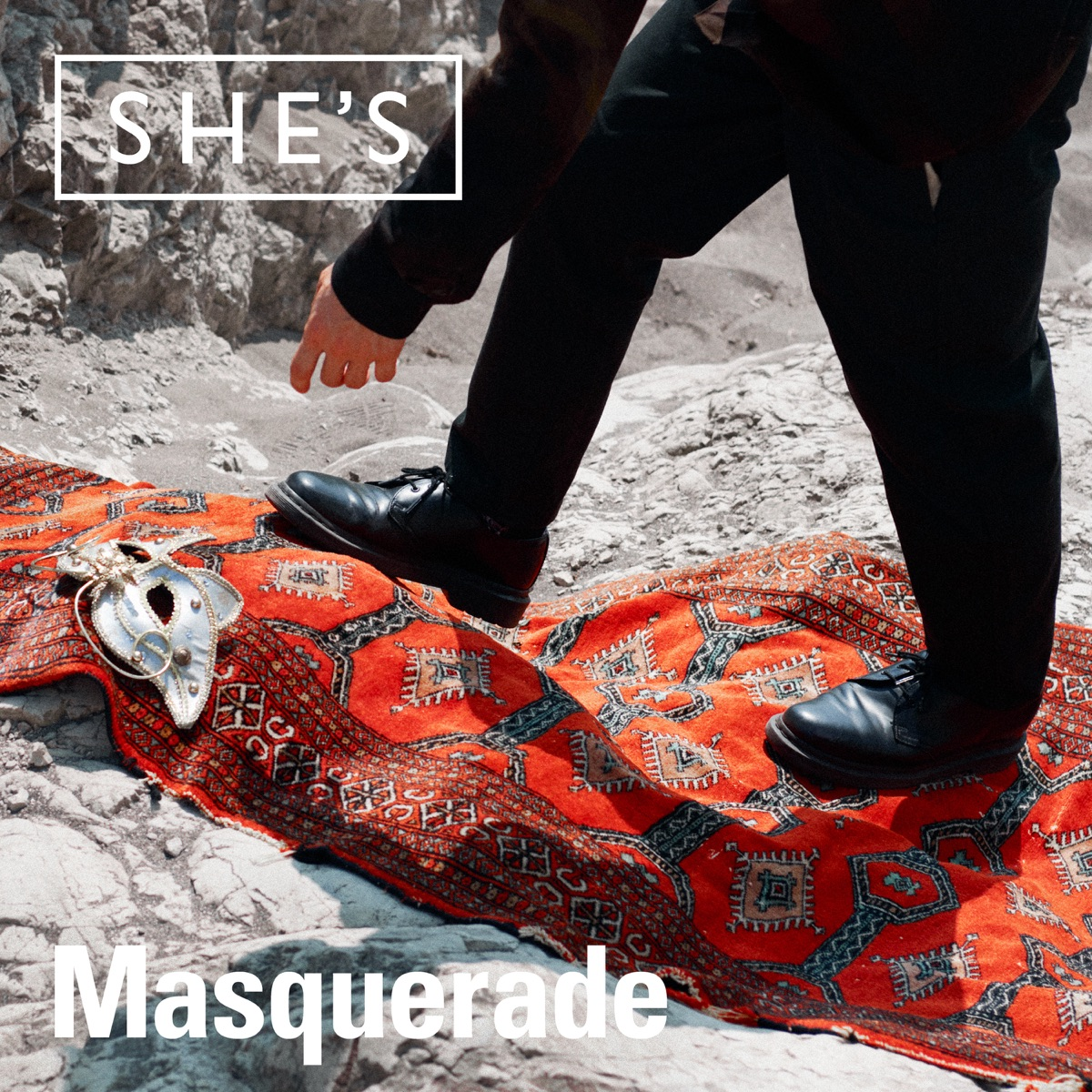『SHE'S - Masquerade』収録の『Masquerade』ジャケット