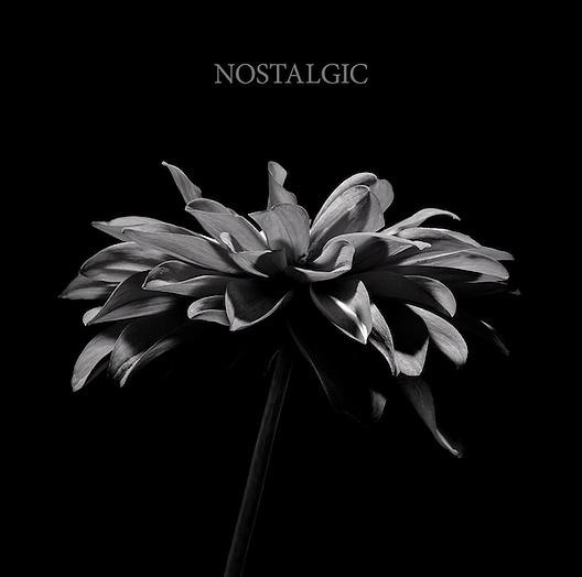 『HYDE - NOSTALGIC』収録の『NOSTALGIC』ジャケット